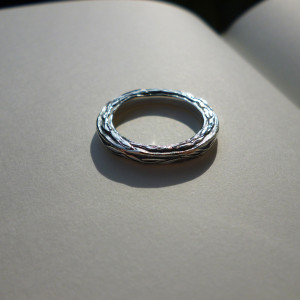Three Sides Leaf Ring