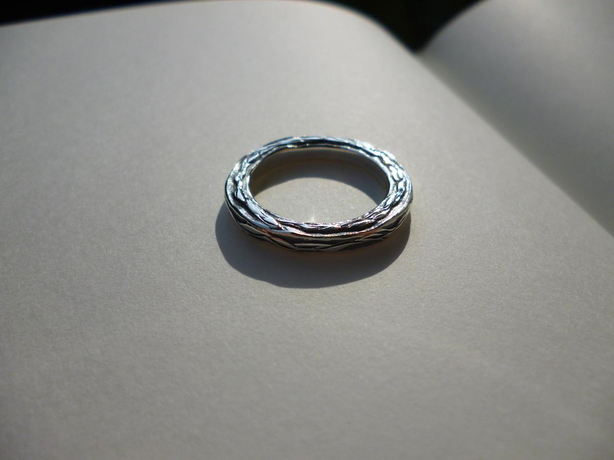 Three Sides Leaf Ring