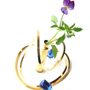 Bullet flower base