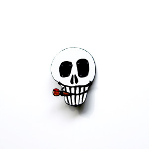 Smoking Skull Brooch (Enameling)