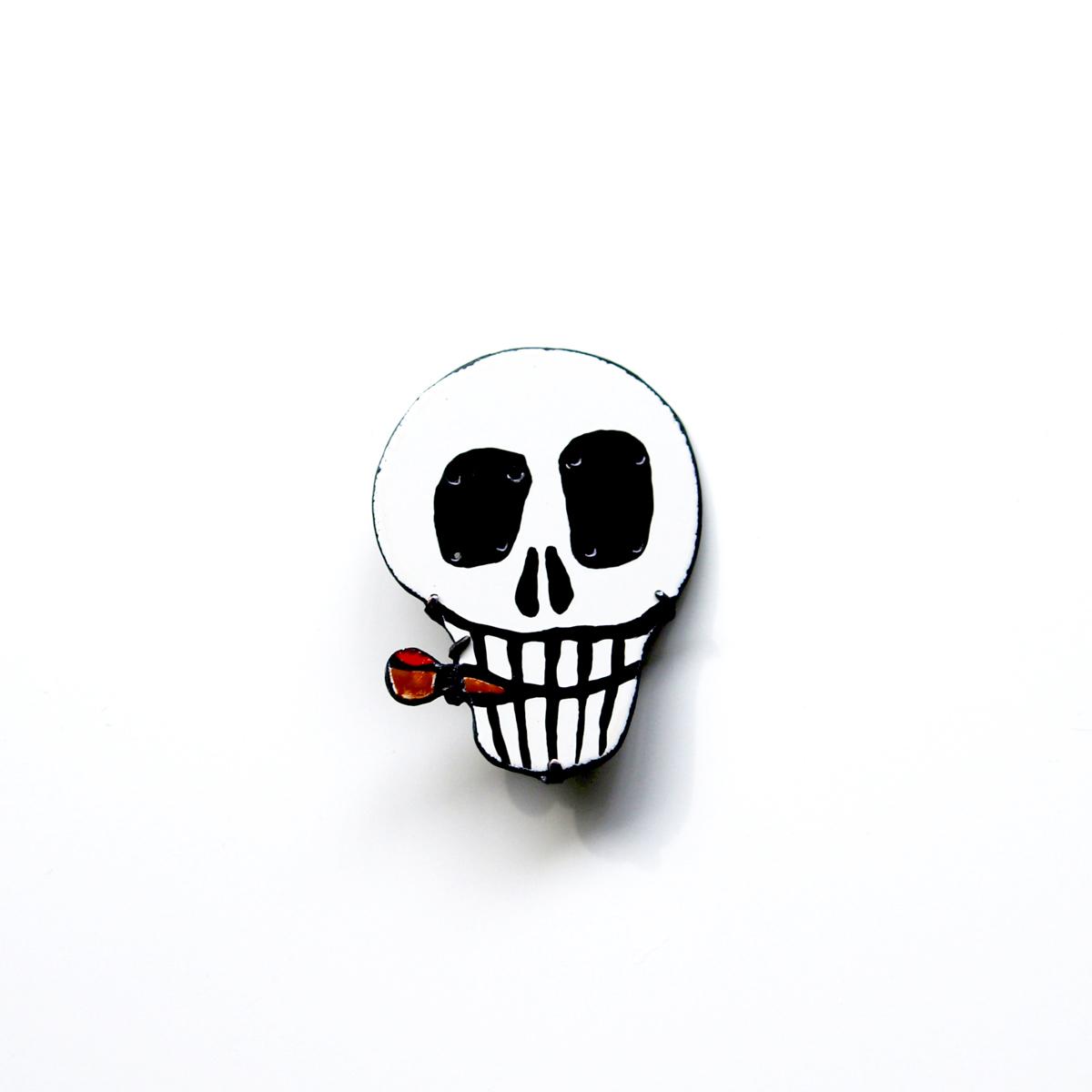 Smoking Skull Brooch