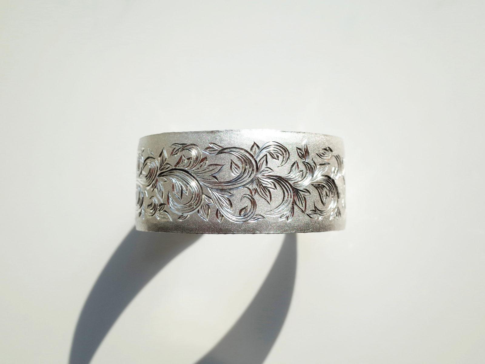 Silver arabesque Bangle